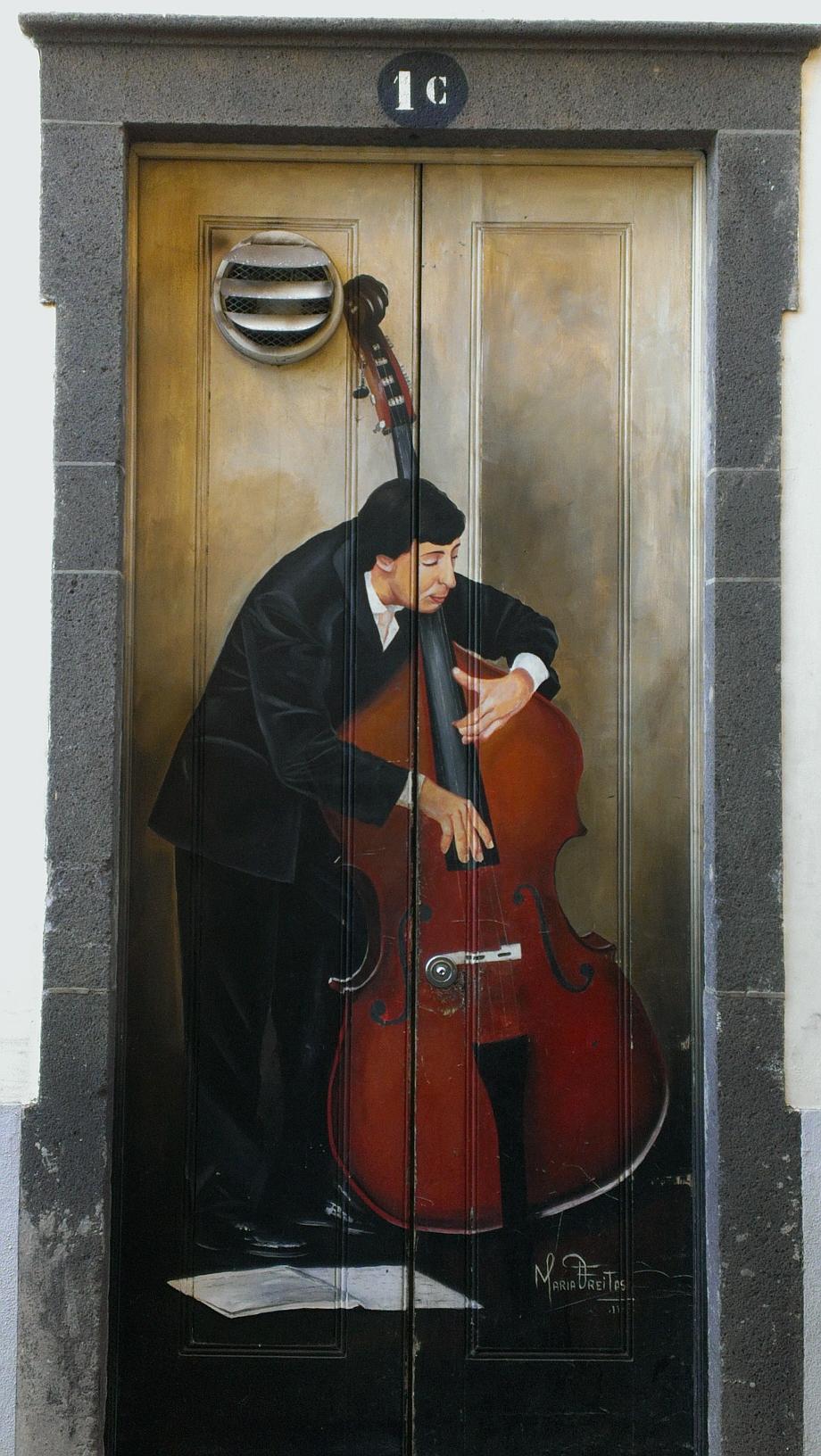 Bemalte Tür in der Altstadt
